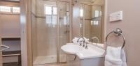 05-bathroom