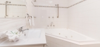 06-bathroom-no14