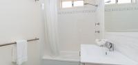 04-bathroom-no-90