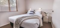01-main-bedroom-no38