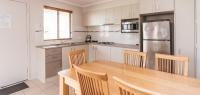 03-dining-kitchen-no38