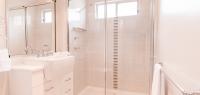 11-bathroom-no11