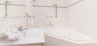 06-bathroom-no14