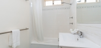 07-bathroom-no16